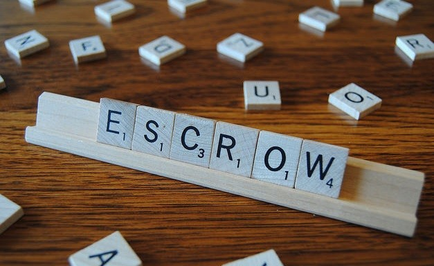 Escrow-Process-Real-estate-agent