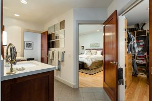 La Canada master suite fit for a king